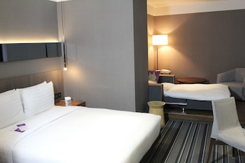 Executive Suite, 1 Double Bed (with extra sofa bed and VIP Benefits)