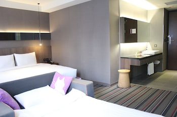Grand Suite, 1 Double Bed (with extra sofa bed and VIP Benefits)