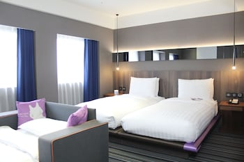 Grand Suite, 2 Twin Beds (with extra sofa bed and VIP Benefits)