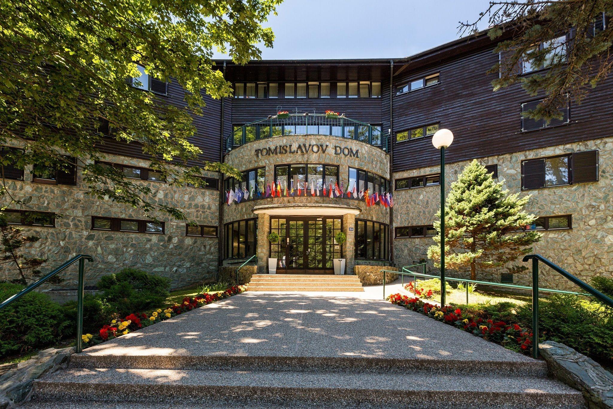 Tomislavov Dom