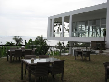 Chateau By The Sea Cebu Dining