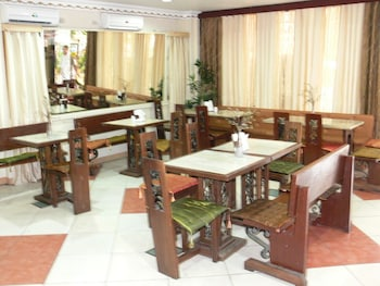 Plaza Maria Luisa Suites Inn Dumaguete Coffee Shop