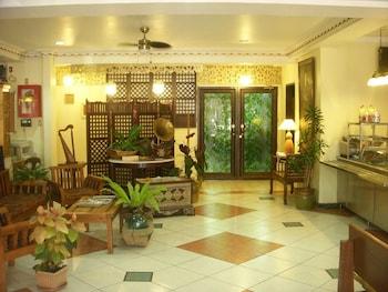 Plaza Maria Luisa Suites Inn Dumaguete Lobby Sitting Area