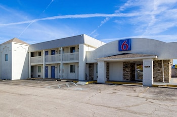 Motel 6 Indianapolis, IN - S. Harding St. photo