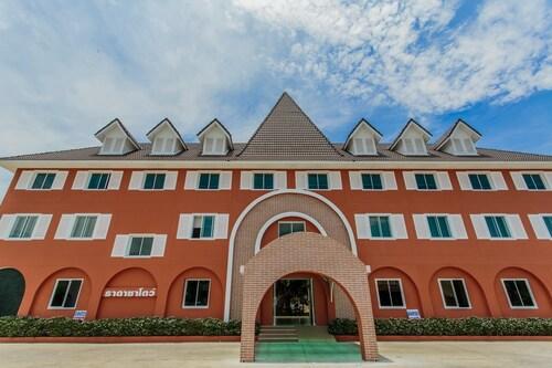 Thada Chateau Hotel, Muang Buri Ram