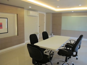 Zerenity Hotel Cebu Meeting Facility