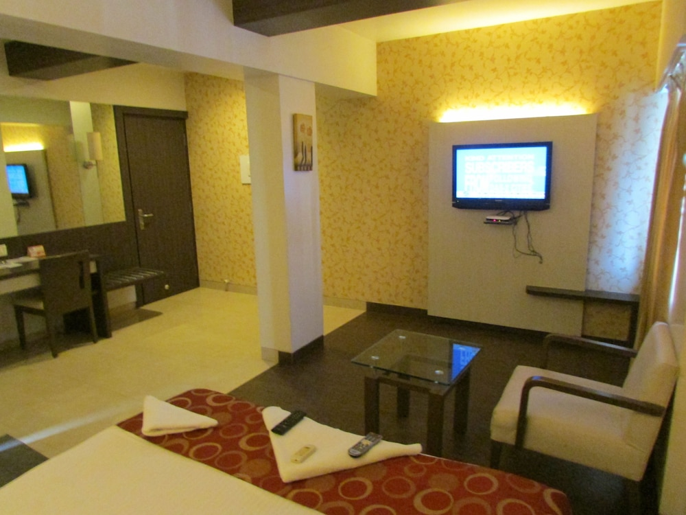 Superior Double or Twin Room, 1 Double Bed, Smoking, City View
