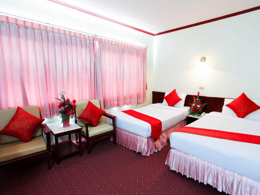 チュンポーン パレス ホテル