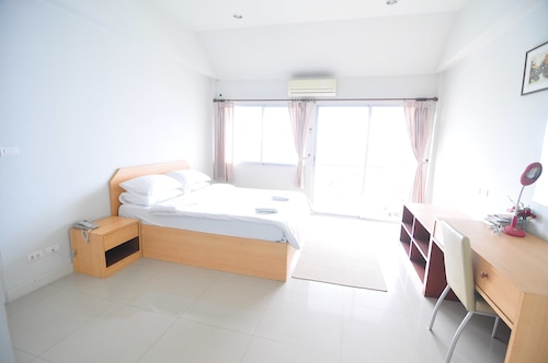 Greenville Serviced Apartment, Khlong Luang