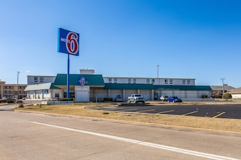 Motel 6 Tulsa photo
