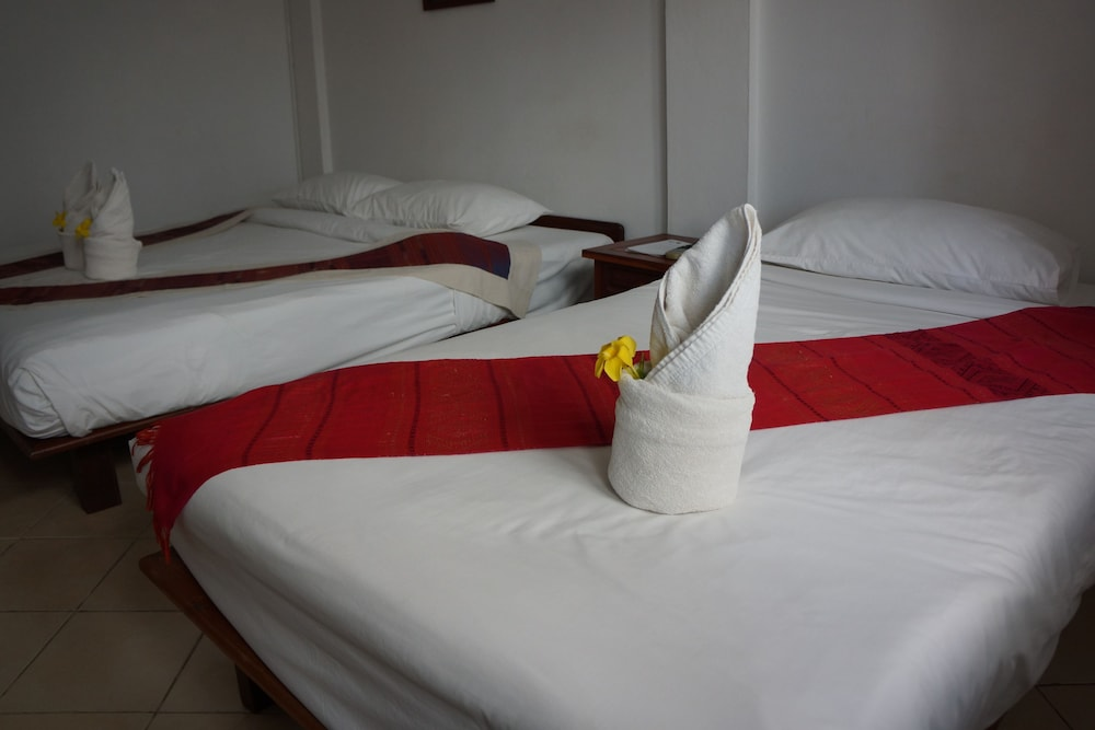 https://i.travelapi.com/hotels/12000000/11610000/11606700/11606631/05b0036d_z.jpg