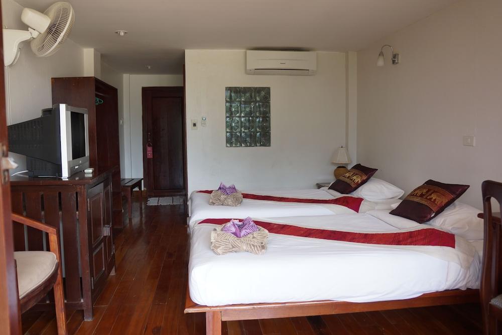 https://i.travelapi.com/hotels/12000000/11610000/11606700/11606631/064b1843_z.jpg