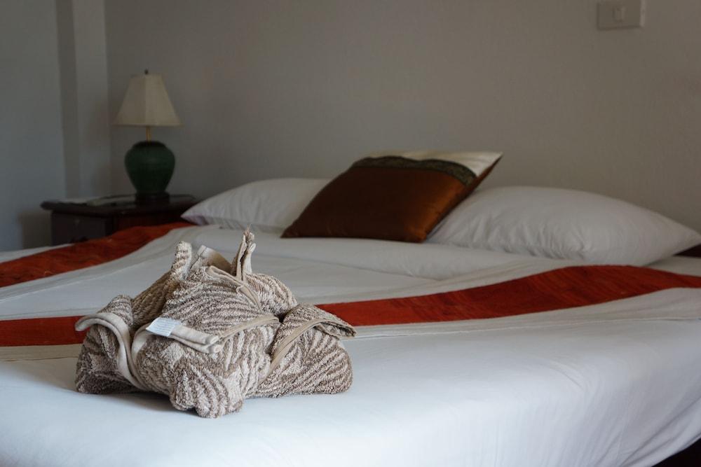 https://i.travelapi.com/hotels/12000000/11610000/11606700/11606631/56336e21_z.jpg