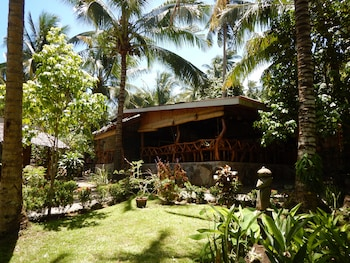 Camiguin Volcan Beach Eco Retreat & Dive Resort Garden