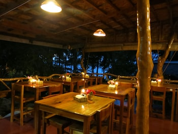 Camiguin Volcan Beach Eco Retreat & Dive Resort Restaurant