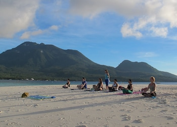Camiguin Volcan Beach Eco Retreat & Dive Resort Yoga