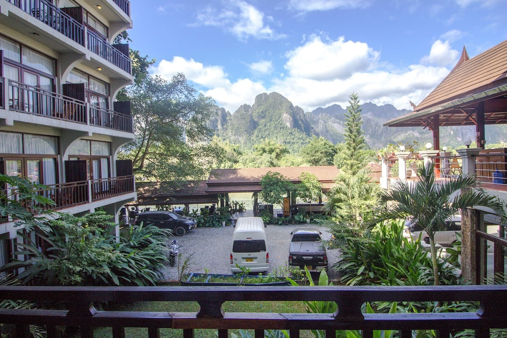 https://i.travelapi.com/hotels/12000000/11610000/11607600/11607584/05f5b2ff_z.jpg