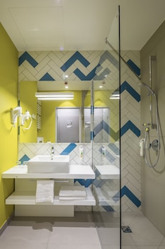 Ibis Styles Lviv Center - Bathroom  - #0
