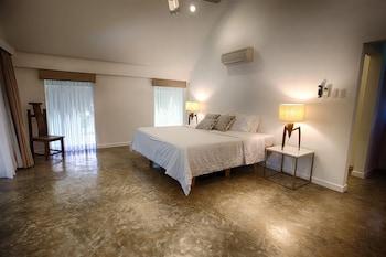 Salaya Beach Houses Negros Oriental Guestroom
