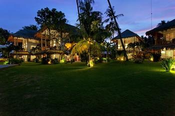 Salaya Beach Houses Negros Oriental Garden View