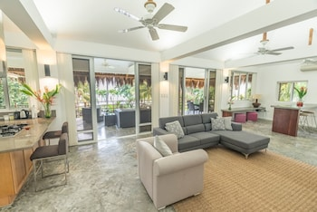 Salaya Beach Houses Negros Oriental Living Area