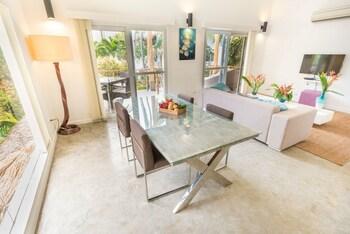 Salaya Beach Houses Negros Oriental In-Room Dining