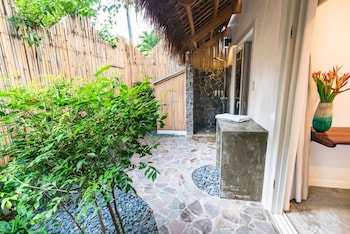 Salaya Beach Houses Negros Oriental Bathroom Shower