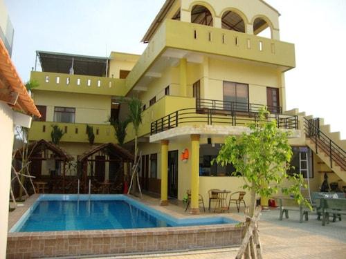 Oasis Hotel, Bến Tre