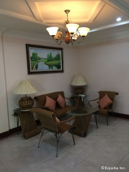 Bohol Tropics Resort Living Room