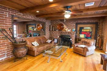 Private 2BD Chandler