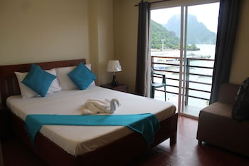 Aqua Travel Lodge El Nido Room