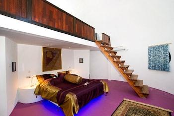 1 Bedroom Loft Jacuzzi Villa