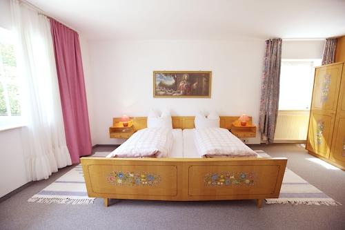 . Gästehaus Huber - original Sixties Hostel