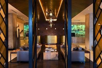 Lobby at Renaissance New York Midtown Hotel in New York