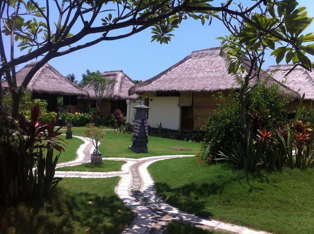 https://i.travelapi.com/hotels/12000000/11680000/11673500/11673467/69e1d3cc_z.jpg