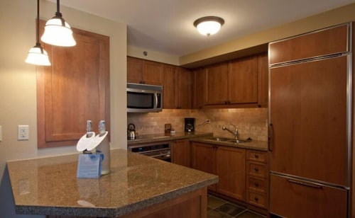 Resort at Squaw Creek Penthouse 810, Placer