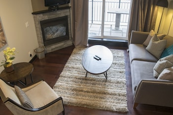 Standard Suite, 1 King Bed, Kitchen
