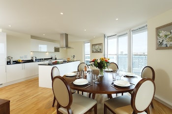 Standard Apartment, 3 Bedrooms, Kitchen, Tower