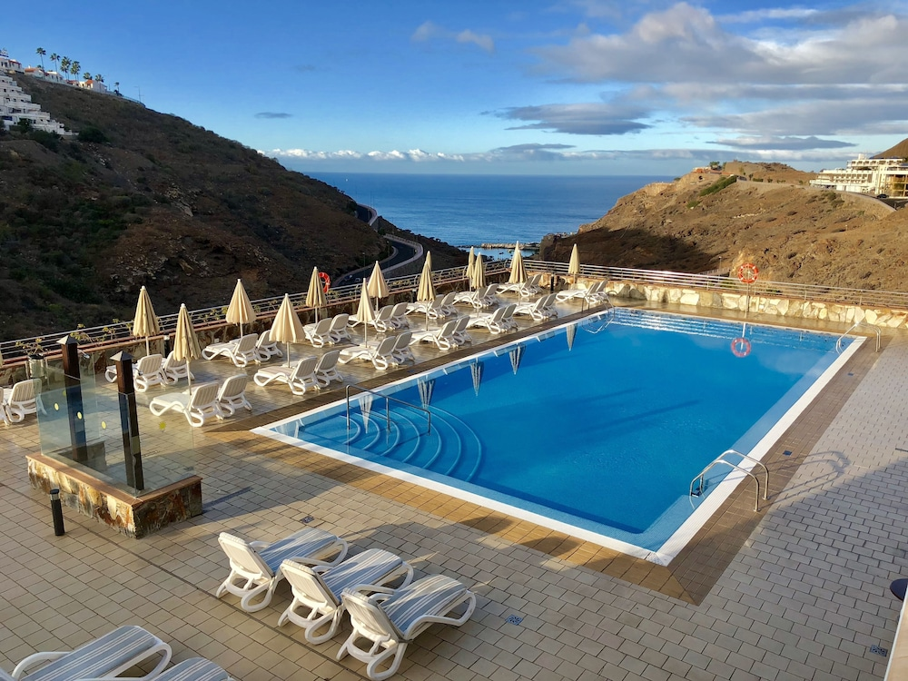 Holiday Club Sol Amadores, Featured Image