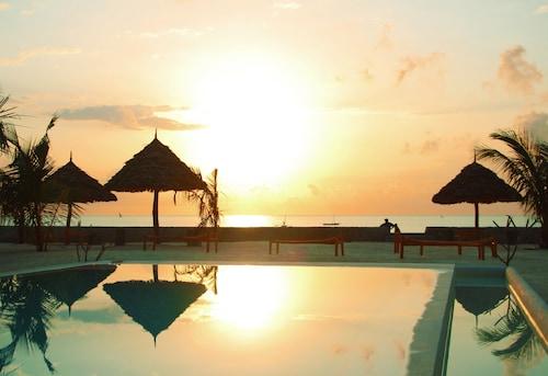 . Nur Beach Hotel