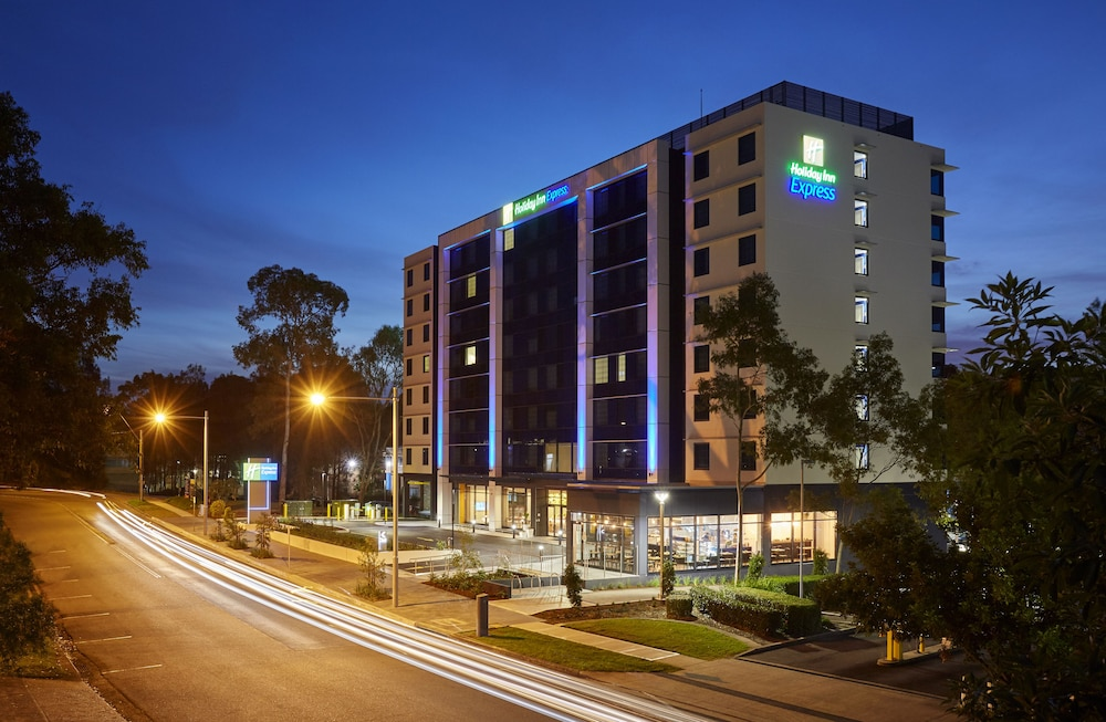 Holiday Inn Express Sydney Macquarie Park, an IHG Hotel