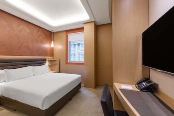 Premium Room, 1 King Bed (High Floor)