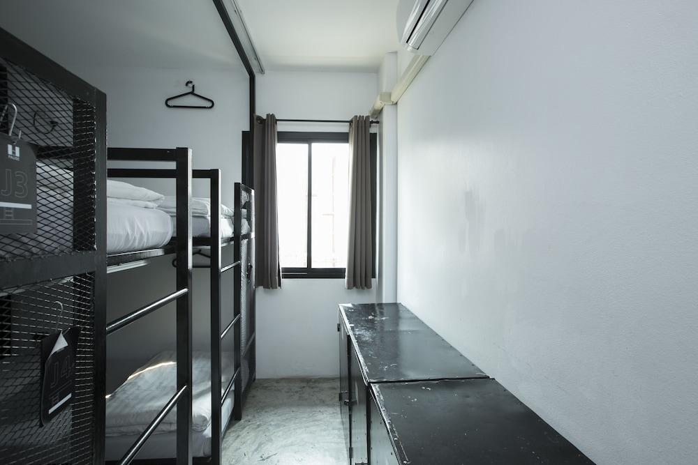 ザ ポーズ ホステル