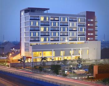 Hotel - Hotel Santika Cikarang