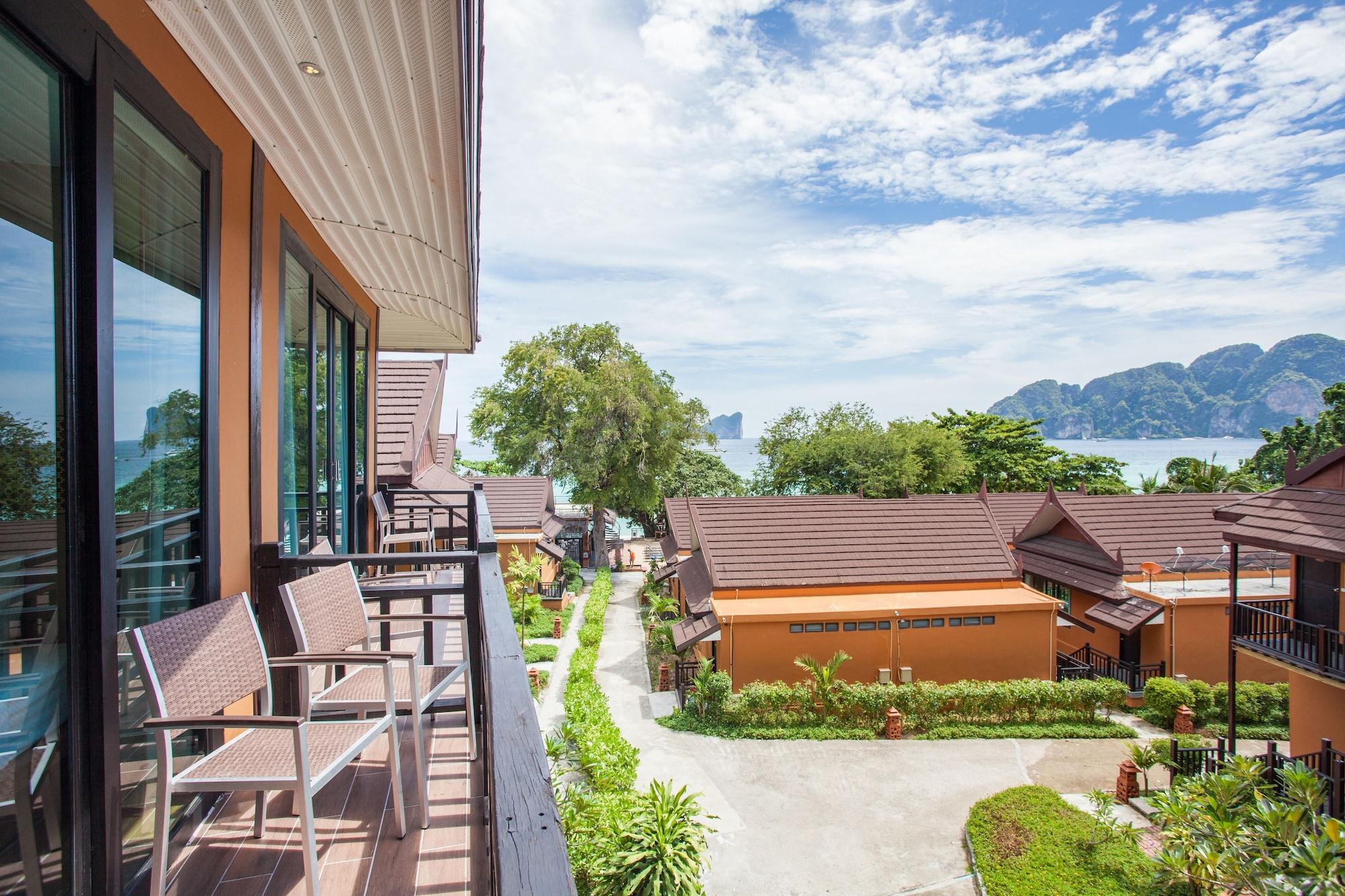 Phi Phi Long Beach Resort & Villa, Muang Krabi