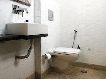 OYO 442 Hotel Delhi Marine Club Gurgaon - Bathroom  - #0