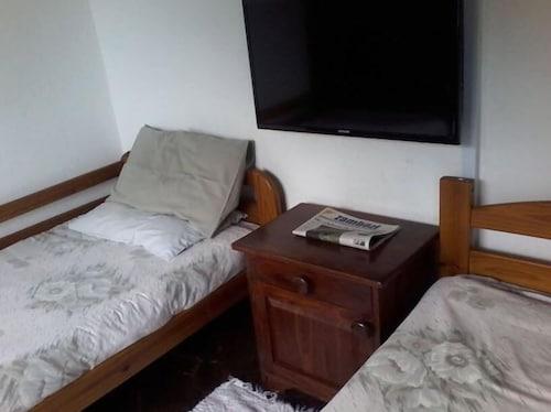 . Zimre Lodge and Houseboats