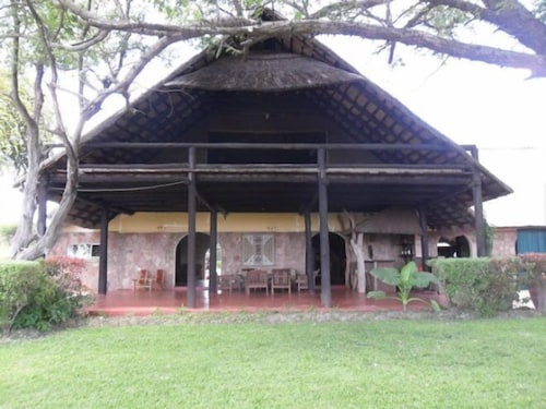 Ganda Lodge, Hwange
