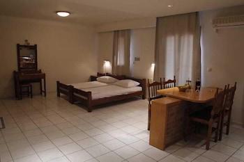 Athina Inn - Guestroom  - #0