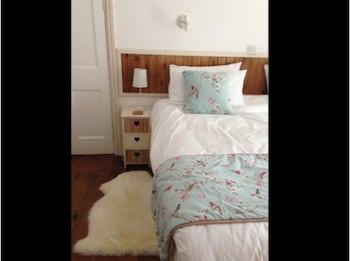 Double or Twin Room, Ensuite, Garden View